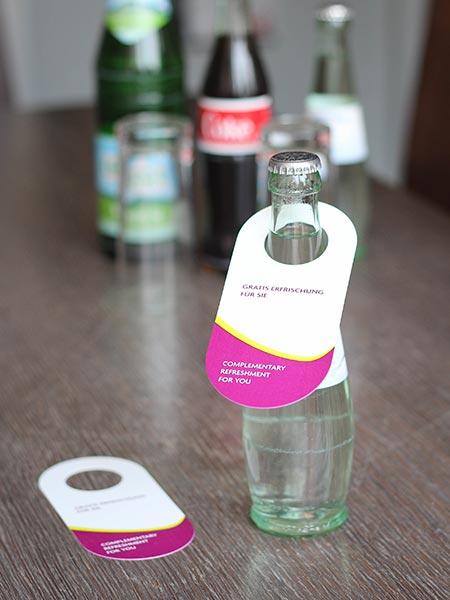 Flaschenanhänger drucken für die Gastronomie und Getränkeindustrie